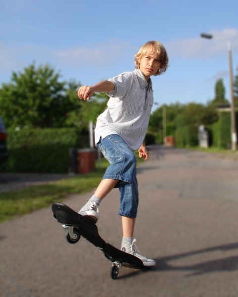 streetsurfing-waveboard-junge
