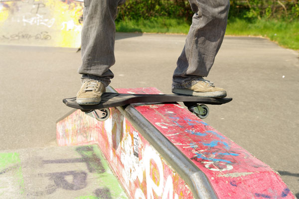 waveboard-ripstick-grind